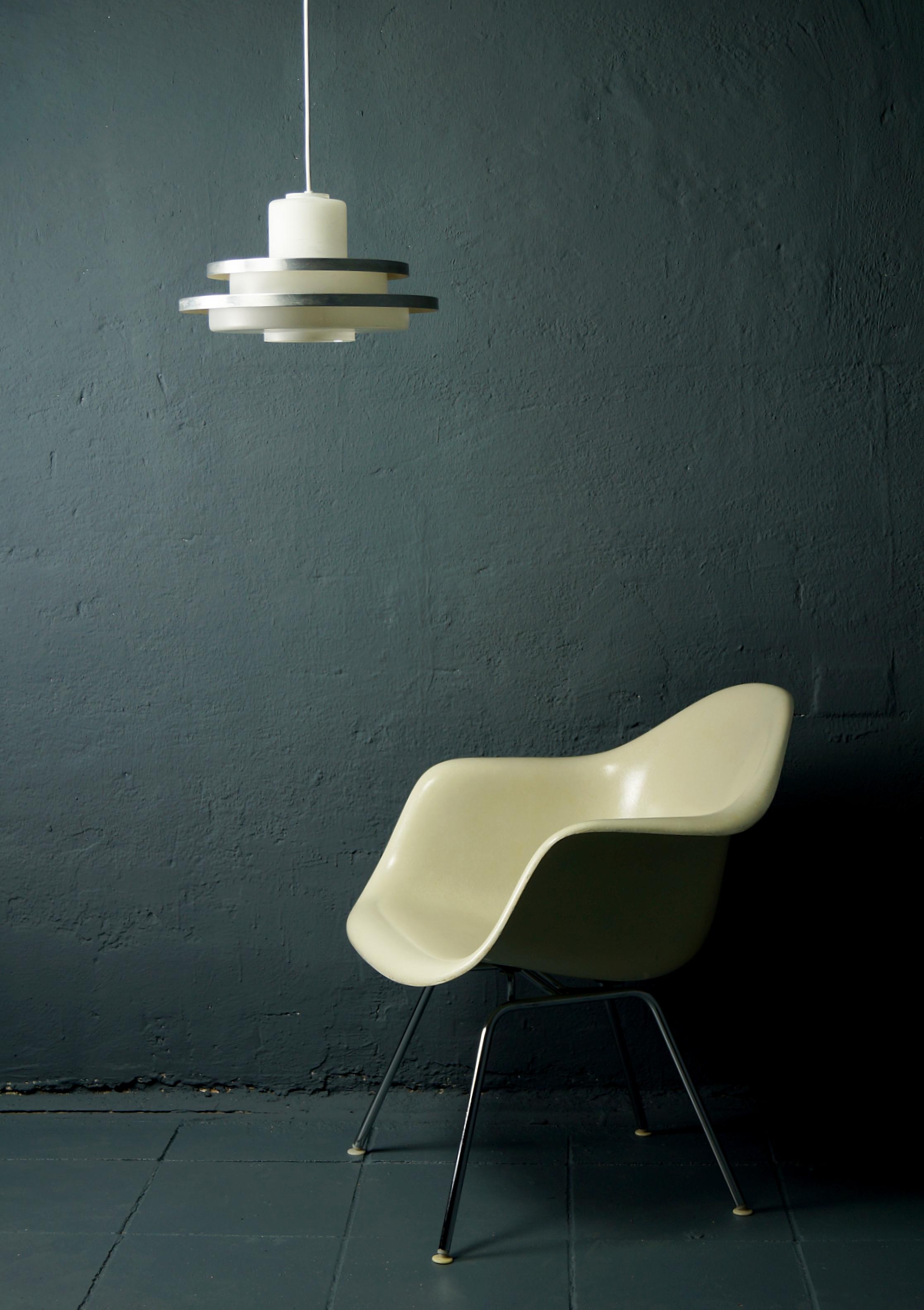 flex mid century vintage design n rnberg eames fiberglas armchair doria deckenleuchte. Black Bedroom Furniture Sets. Home Design Ideas