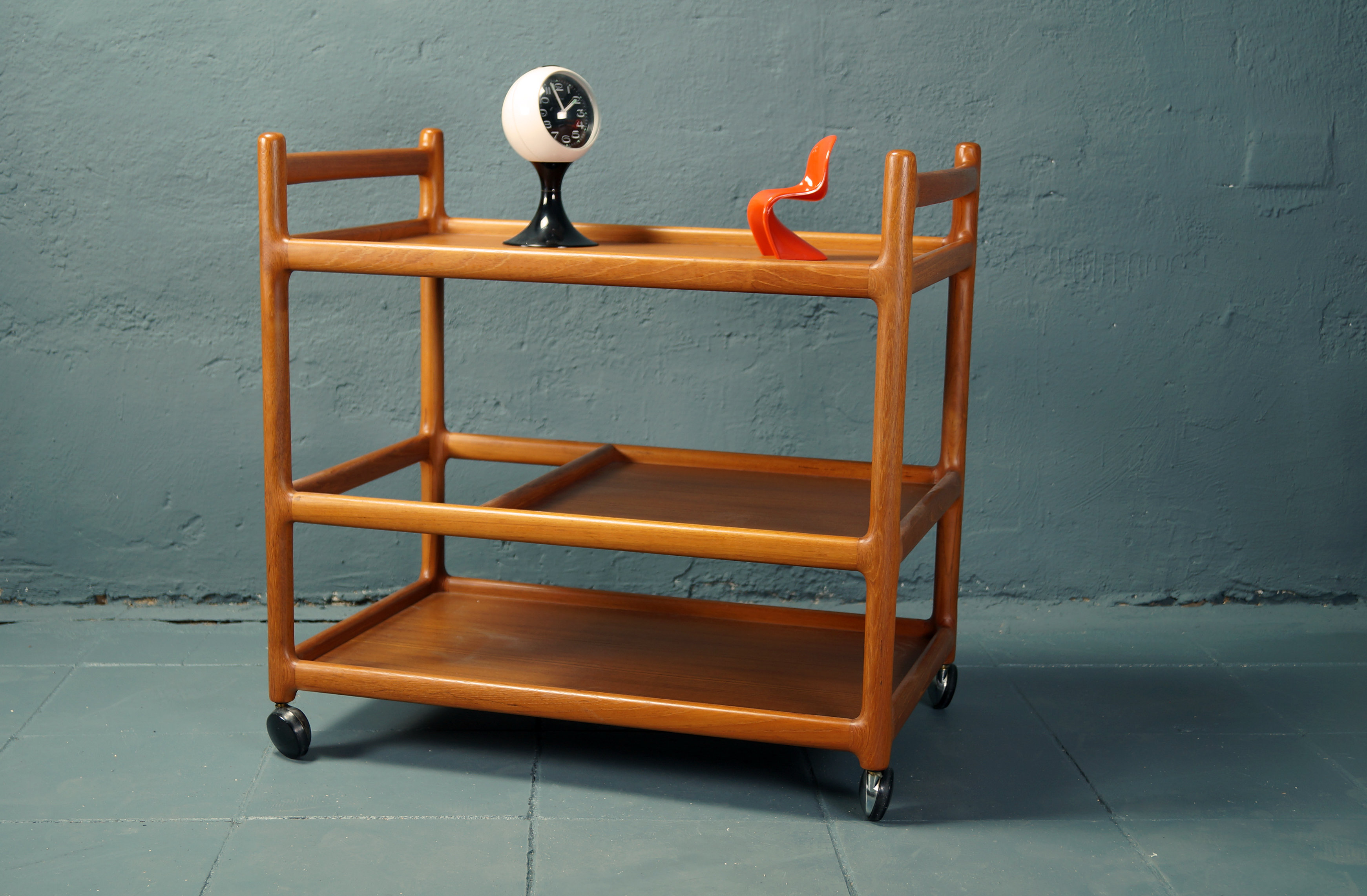 flex mid century vintage design n rnberg 60s teak servierwagen von johannes andersen f r cfc. Black Bedroom Furniture Sets. Home Design Ideas