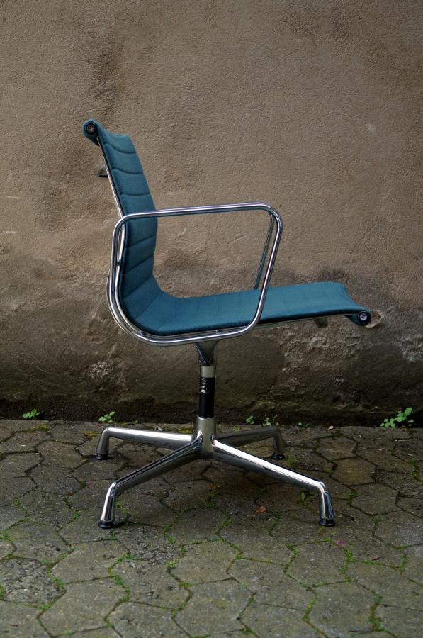 flex mid century vintage design n rnberg 1 x eames alu chair ea 108 vitra in petrol. Black Bedroom Furniture Sets. Home Design Ideas
