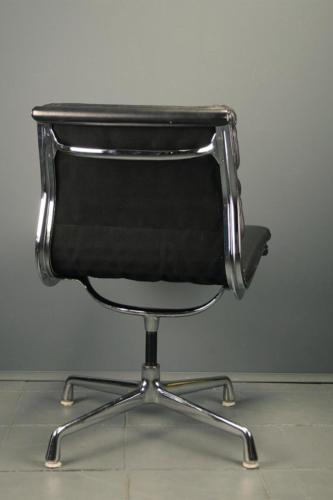 Eames EA205