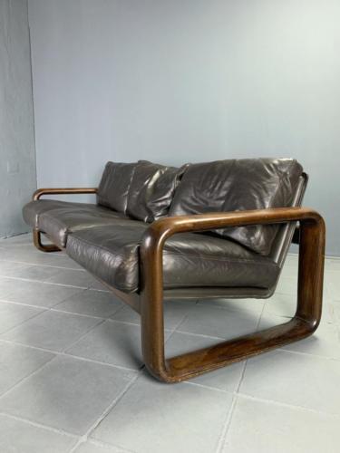 Hombre-Sofa