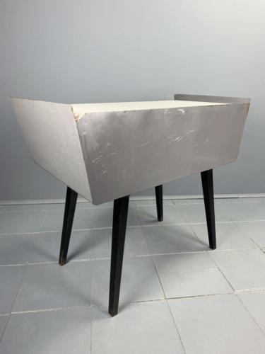 Metallschreibtisch 50er Jahre