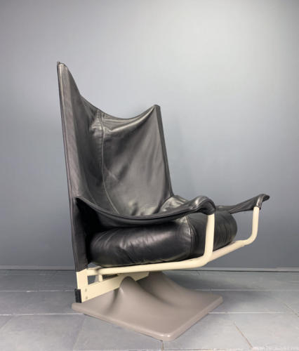 Cassina AEO-Chair